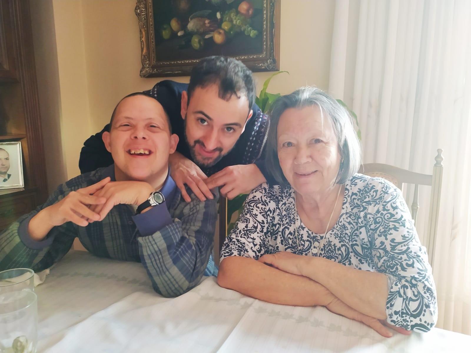 Jordi and family
